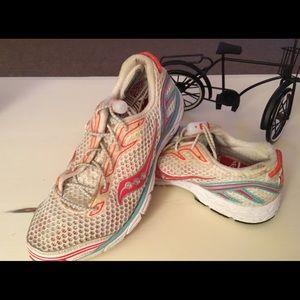 Saucony women's sneakers size 6.5